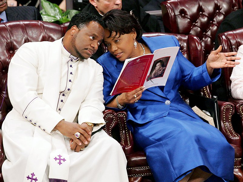 """Bishop Eddie L. Long with his wife, Vanessa, in September 2010, shortly  after several men accused him of sexual coercion. Credit Pool photo by John  Amis. """""""