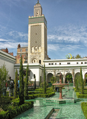 The courtyard and minaret of the Grand Mosque of Paris on May 3, 2008. Photo courtesy of Creative Commons/Eric Parker