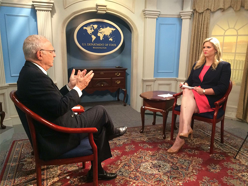 CBN News White House Correspondent Jennifer Wishon, right, interviews David Saperstein when he was Ambassador-at-large for International Religious Freedom. Photo courtesy of Mark Bautista/CBN News