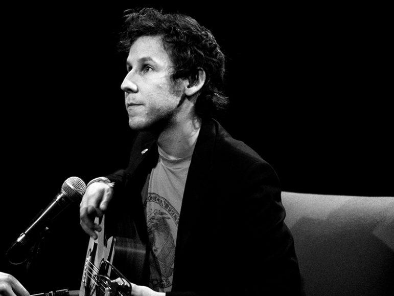 Musician Ben Lee in 2009.  Photo courtesy of Creative Commons/Guido van Nispen