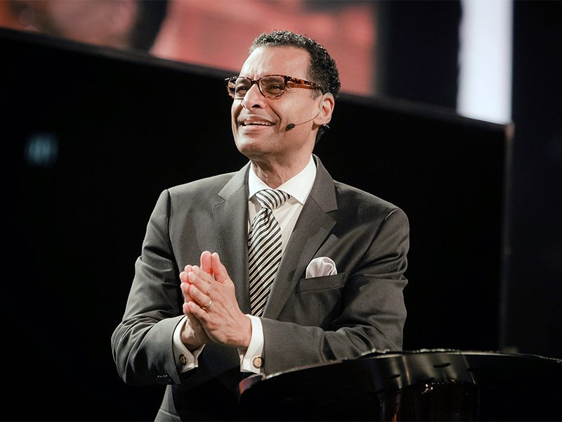 Brooklyn megachurch pastor explains why he left the