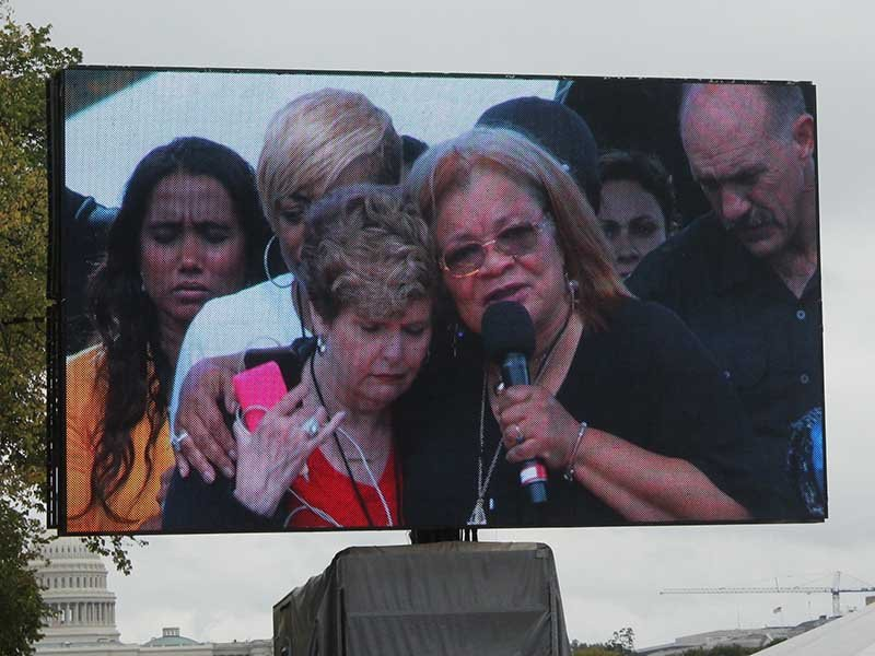 Christian women gather on National Mall for day of prayer