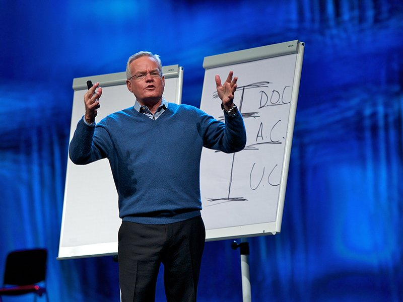 The Rev. Bill Hybels, senior pastor of Willow Creek Community Church in South Barrington, Ill., speaks on Jan. 26, 2012. Photo by Marc Gilgen/Creative Commons