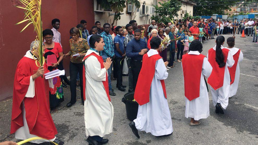 trinidad and tobago catholics aid venezuelan migrants amid