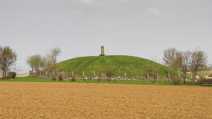 A reconstructed Celtic burial mound nearEberdingen, Germany. Such burials were reserved for the influential and wealthy in Celtic society. Photo by Detlef Meissner/Creative Commons