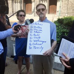 David Clohessy, a longtime leader with SNAP, addresses the media near the Cathedral Basilica of St. Louis on Sept. 20, 2016. RNS photo by Eric Berger