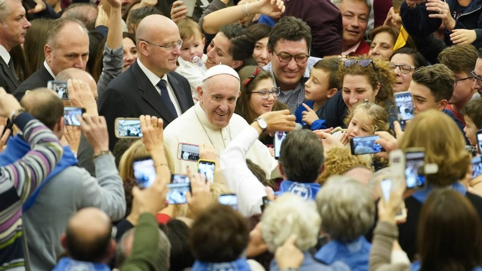 Gay 'trend' influencing the Catholic clergy - Pope