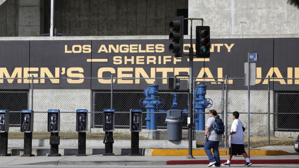 Lawsuit: LA Sheriff's Department denied Muslim inmates