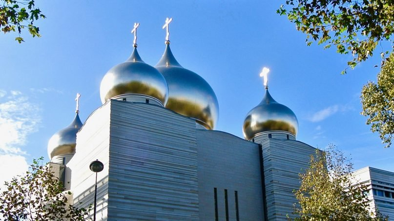 The Russian Orthodox Cathedral of the Holy Trinity, inaugurated by the Moscow Patriarchate, along the Seine river in Paris in Oct. 2016. RNS photo by Tom Heneghan.