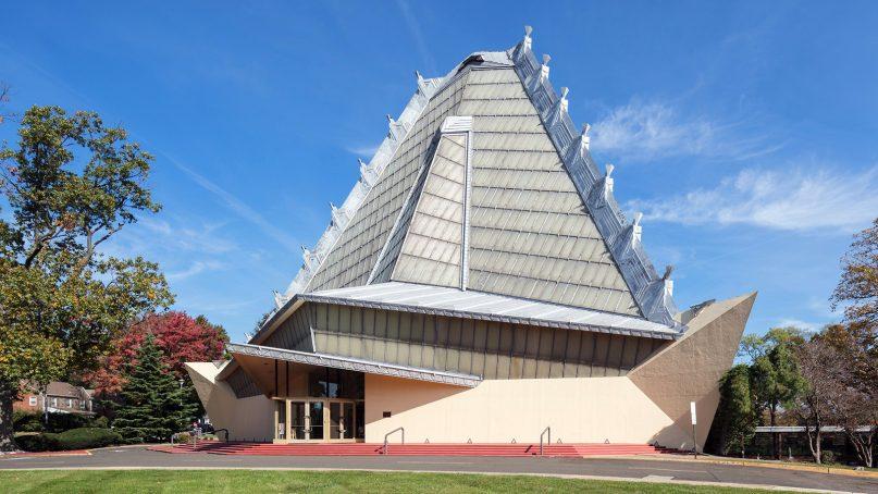 Beth Sholom Synagogue, designed by Frank Lloyd Wright, opened 60 years ago near Philadelphia. Photo by Darren Bradley