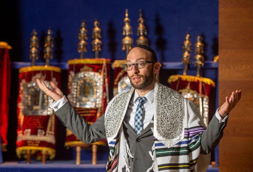 Rabbi Akiva Weingarten speaks at New Synagogue in Dresden, Germany. Photo by Norbert Millauer