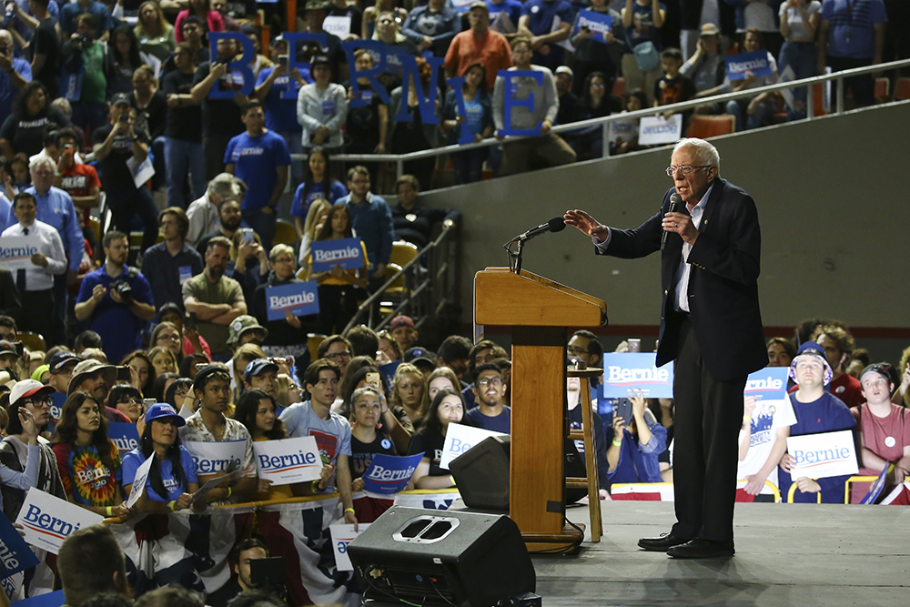 Jewish Leaders Say Nazi Flag at Sanders Rally Further Proof of Rise in Anti-Semitism
