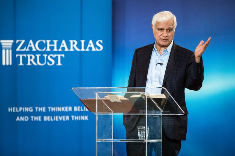 Ravi Zacharias speaks to students at the Oxford Centre for Christian Apologetics, in Oxford, England, in July 2018. Photo by Hazel Thompson/True Image Media
