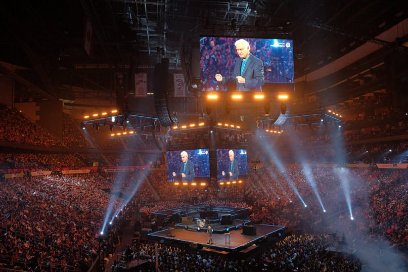 Ravi Zacharias speaks to 40,000 18- to 25-year-olds during the annual Passion conference in Atlanta, in 2016. Photo courtesy of RZIM