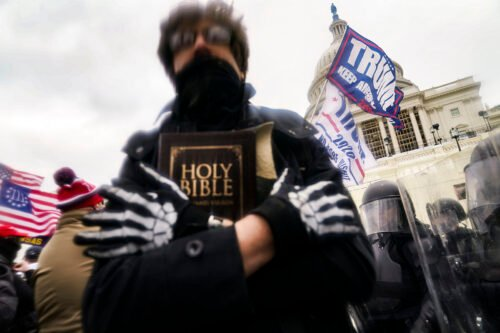 Police officer says Jan. 6 insurrectionists 'perceived themselves to be Christians'