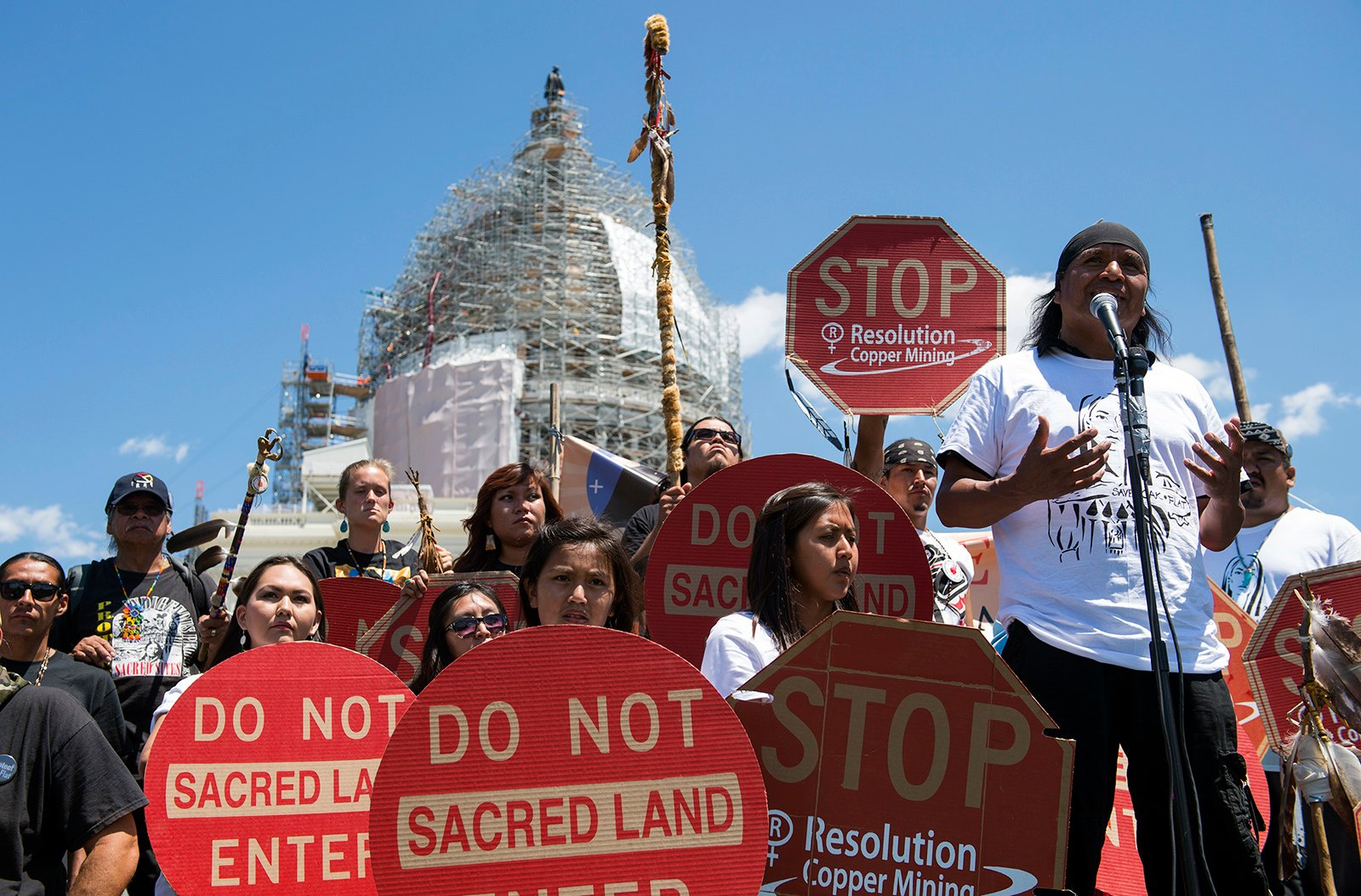 religionnews.com - Emily McFarlan Miller - Native American group files motion to stop mining at sacred Oak Flat site