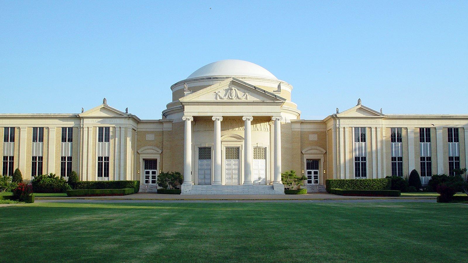 The BH Carroll Memorial Building Rotunda at Southwestern Baptist Theological Seminary in Fort Worth, Texas. Photo by Michael-David Bradford/Creative Commons
