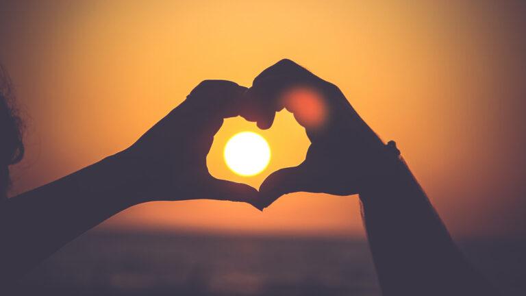 علامات قلة مشاعر الحب