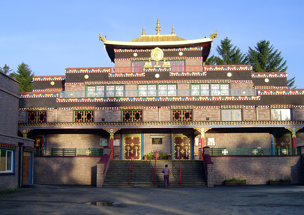 The main temple of Kagyu Samye Ling Monastery and Tibetan Centre, in 2007. Photo by Robert Matthews/Creative Commons