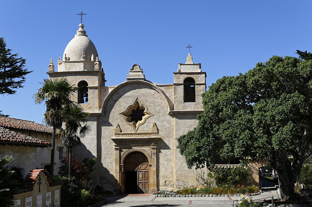 The historic Carmel Mission in Carmel-By-The-Sea, California. Photo by Burkhard Muecke/Creative Commons