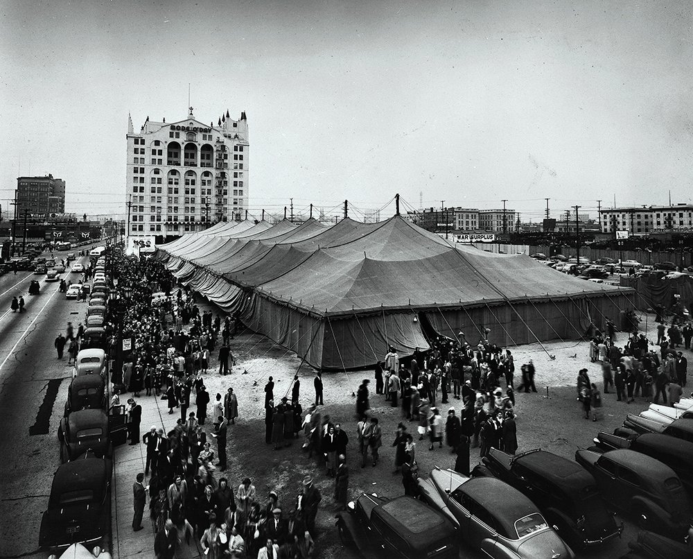 A crowd gathers for the Billy Graham Los Angeles Crusade in 1949. Photo courtesy of the Billy Graham Evangelistic Association