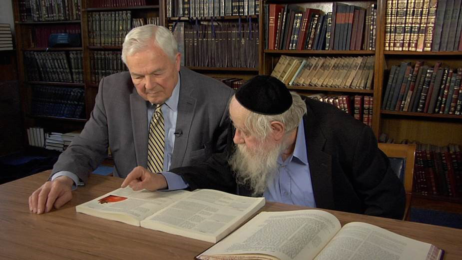 Bob Abernethy of Religion & Ethics NewsWeekly, left, speaks with Rabbi Adin Steinsaltz in a February 2012 taping. Photo courtesy of Religion & Ethics NewsWeekly