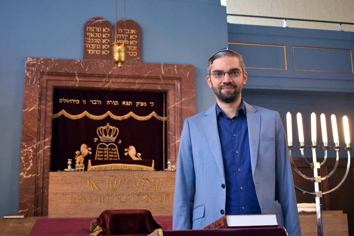 Rabbi Alexander Nachama at the New Synagogue in Erfurt, Germany. Photo by Ken Chitwood