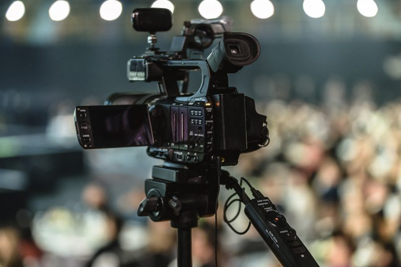 A recent study looking at TV news used most by different religious affiliations found that white evangelicals look to Fox News while Black Protestants look to the mainstream channels. Image by Photo Mix from Pixabay