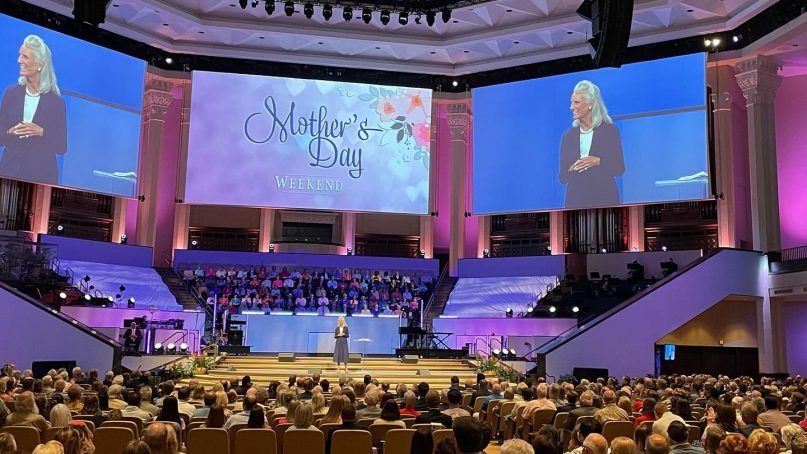 Anne Graham Lotz speaks at Second Baptist Church in Houston over Mother's Day weekend. Photo via Facebook