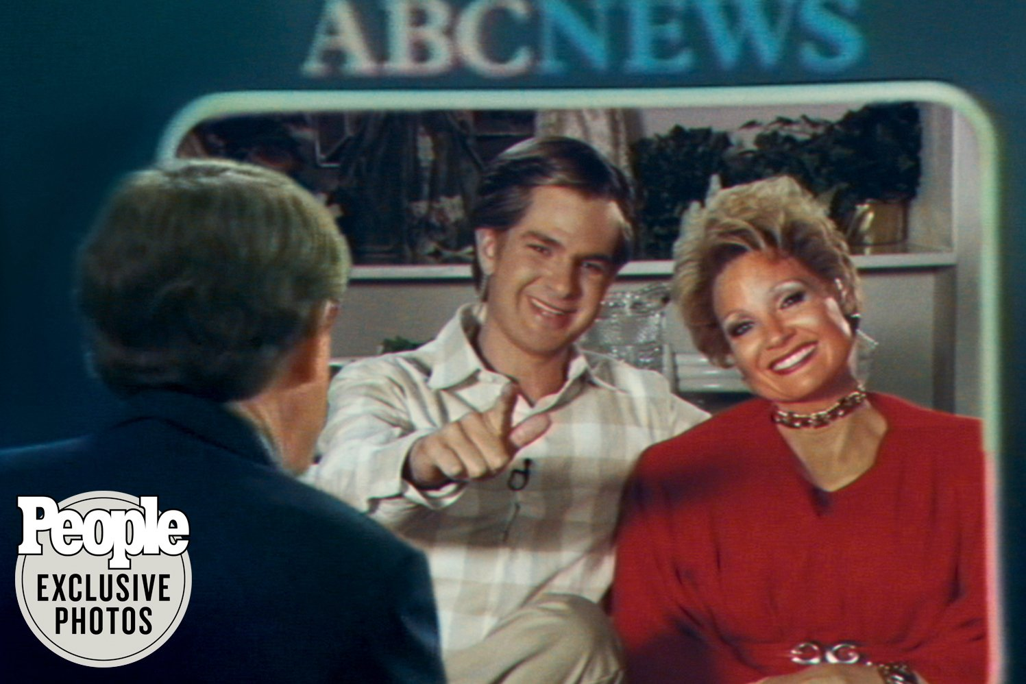 """Actors Andrew Garfield and Jessica Chastain as the famous televangelist couple, Jim and Tammy Faye Bakker, in the upcoming biopic, """"The Eyes of Tammy Faye."""" Photo courtesy Searchlight Pictures"""