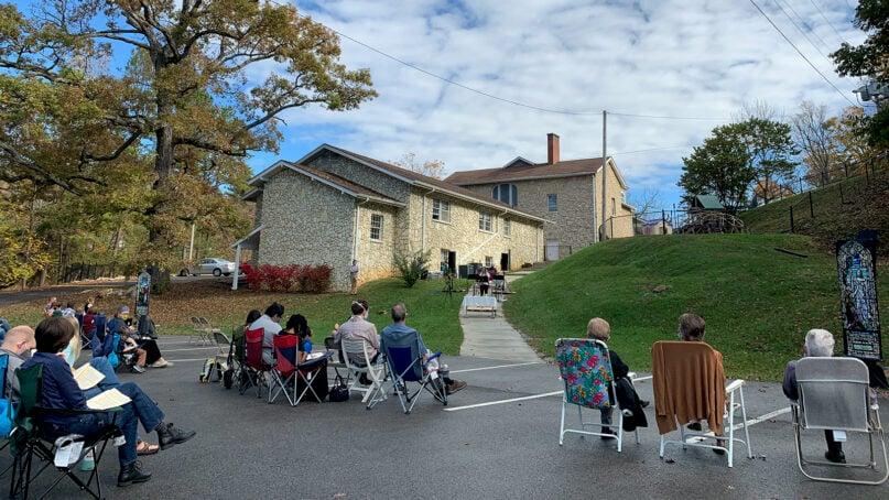 Outdoor worship at Hopwood Christian Church, Sunday, Aug. 8, 2021, in Elizabethton, Tennessee. Photo by Daniel Silliman/Hopwood Christian Church