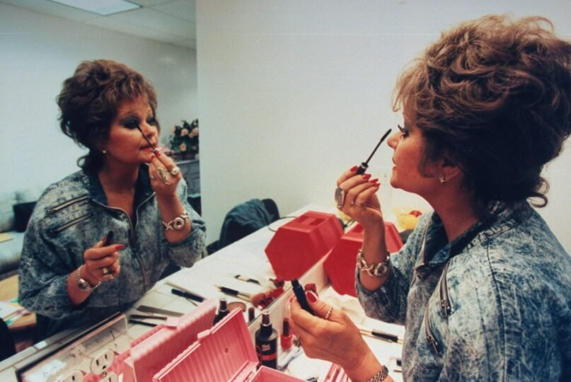 """When asked how she wanted to be remembered, Tammy Faye replied, """"My eyelashes and my walk with the Lord."""" (John Storey/Getty Images)"""