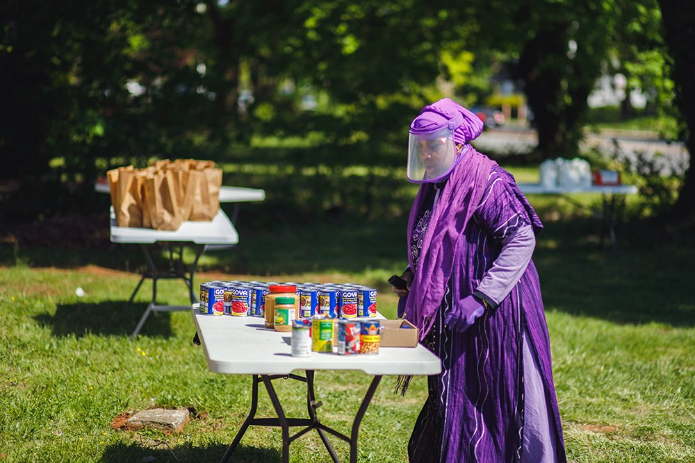 Chaplain Asma Inge-Hanif offers free groceries to Baltimore residents in May 2020. Courtesy photo